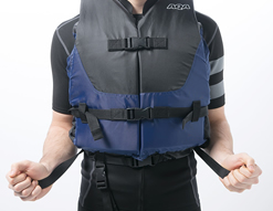 ウエストベルトと腰ベルトで微妙な調節が可能。より体にフィットします。